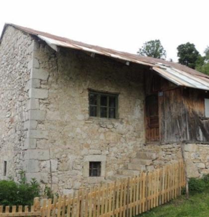 Fejzibeg platio, a gradili Dalmatinci