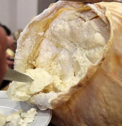 Da li ste probali hercegovački sir iz mijeha?
