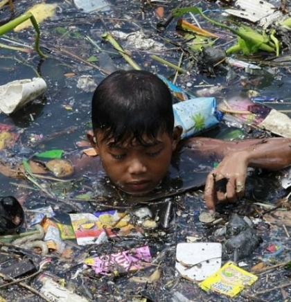 PHOTOGALLERY: THE WORLD OF WASTE