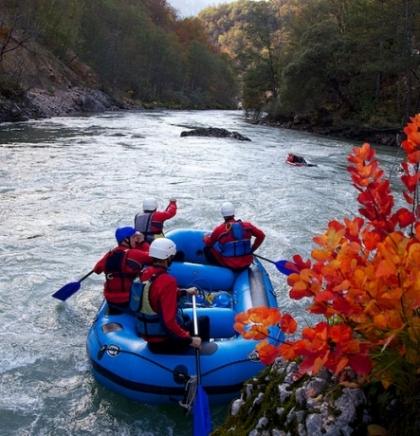 Britanski Guardian preporučuje rafting: BiH u top 10 zemalja svijeta za avanturistički turizam