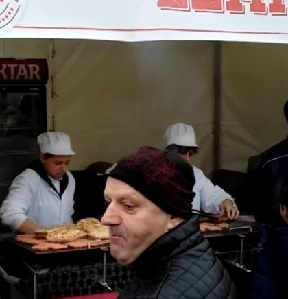 Na banjalučkom 'Ćevap festu' više od 10.000 posjetilaca, pojedeno 8.500 porcija