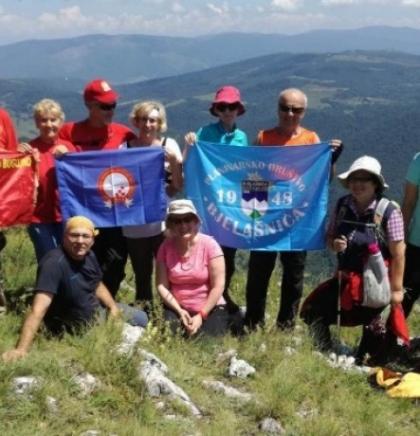 Na Rostovu sarajevski i bugojanski planinari tortom obilježili uspjeh 'Vatrenih'