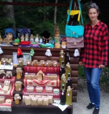 'Golden Colors' fair offering homemade products opens in Bijambare