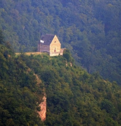 Bosnian royal town of Bobovac attracts tourists from all over the world