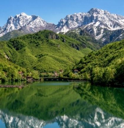 U okviru projekta razvoja turizma jezerskih područja pokrenuta web stranica