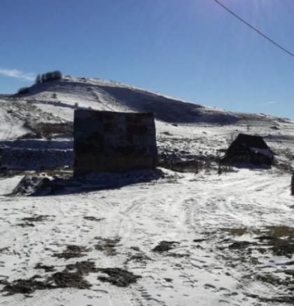 Na početku decembra - Plavetnilo neba u ogledalu Studenog potoka