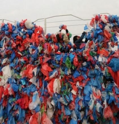Aktivisti u Nepalu od 100.00 plastičnih vreća napravili mapu Mrtvog mora