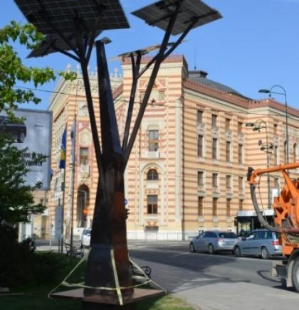 Postavljena prva solarna stabla u Starom Gradu