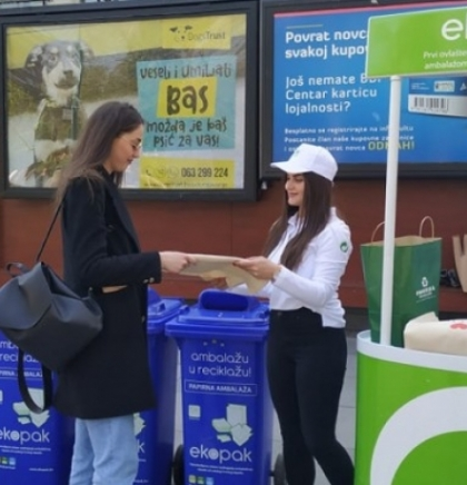 Waste collecting street campaign in Sarajevo to mark Earth Day