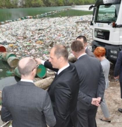 Sastanak u Višegradu - 50.000 kubnih metara otpada iz Tare, Lima i Drine
