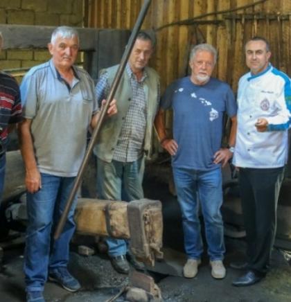 'Oćevije' iz Vareša na Balkanskom prvenstvu u pripremi jela ispod sača