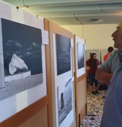 Goraždu otvorena izložba fotografija 'Rat sjećanja'
