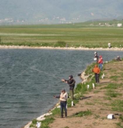 Natjecanje bh. sportskih ribolovaca na Ivanovu jezeru