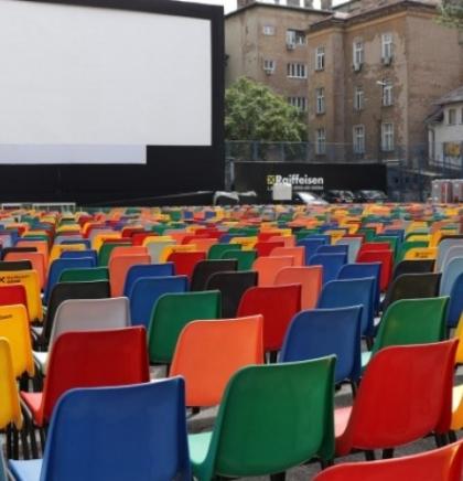Ljetno kino 'Raiffeisen' spremno da dočeka ljubitelje filmske umjetnosti (VIDEO)