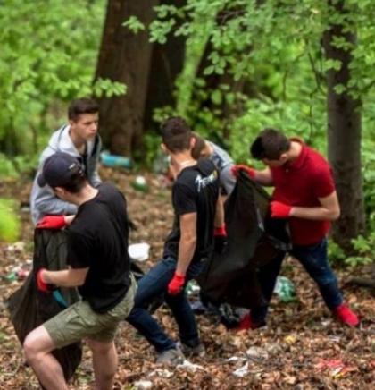 Velika volonterska akcija čišćenja ilegalnih deponija otpada u Tuzli