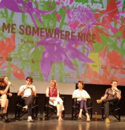 Film Ene Sendijarević 'Take Me Somewhere Nice' propituje pojam identiteta
