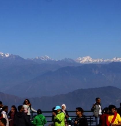 Nepal razmatra nova pravila za izdavanje planinarskih dozvola za Mont Everest