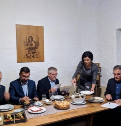 """""""Raštikijada"""": Čitlučani prave najbolju raštiku, Širokobriježani oduševili sushijem od raštike"""