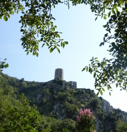 Počitelj, srednjovjekovni kameni mozaik (VIDEO)