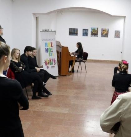 Mladi pijanisti iz KS doprinose širenju kulture nacionalnih manjina u BiH