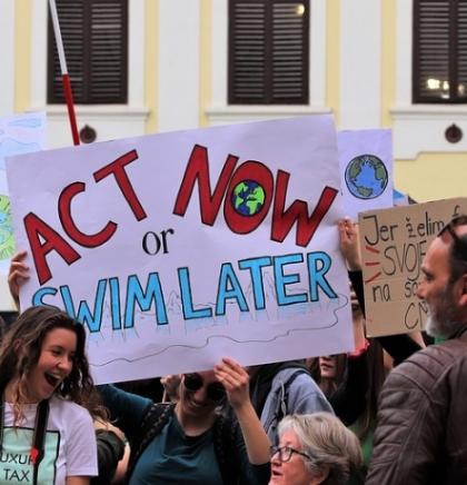 Italija postaje prva zemlja koja će klimatsku krizu dodati u školske planove i programe