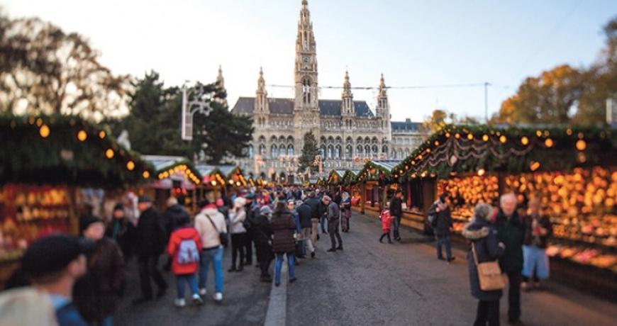 Beč: Posjetioci uživaju u adventskoj čaroliji