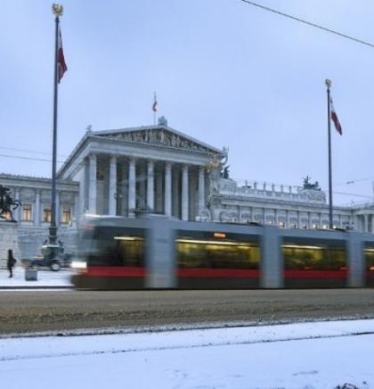 Bečki 'Wiener Linien' - Pet puta dnevno oko svijeta javnim gradskim prijevozom