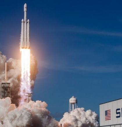 SpaceX potpisao ugovor o svemirskom turizmu