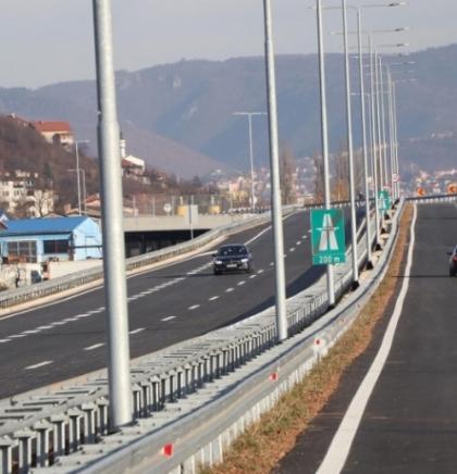U većem dijelu BiH vlažni ili mokri kolovozi, oprez zbog odrona