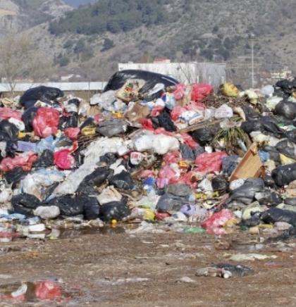Smeće s privremenog deponija u Rodoču prebačeno na Uborak