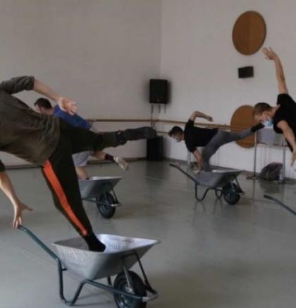 'Poziv na Svi marš na ples' nova predstava Balkan Dance Projecta