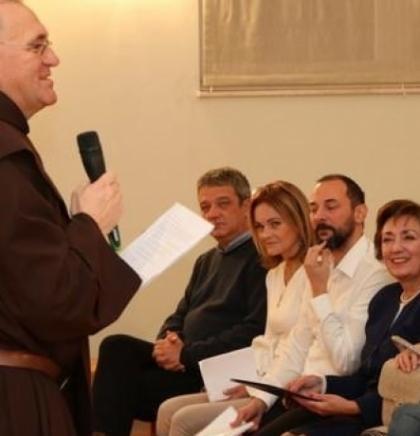 MINISTRICA ZORA DUJMOVIĆ OTVORILA IZLOŽBU NA BUŠKOM JEZERU