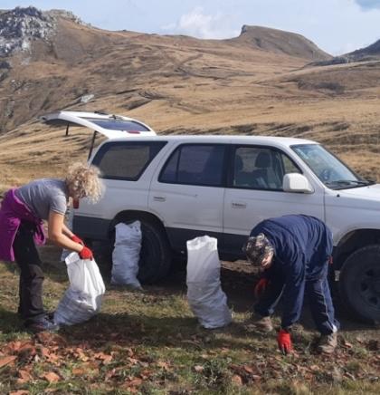 """PD """"Visočica"""" čistilo Visočicu: Smeće, građevinski otpad i vozači kvadova uništavaju najljepši planinski pašnjak"""