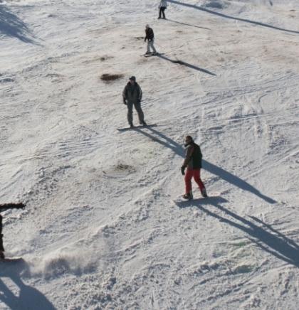 Skijališta u Austriji pooštravaju mjere zaštite od koronavirusa