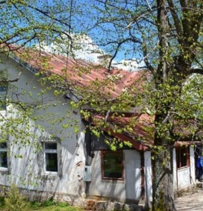 'Juniori za seniore' u obnovi planinarskog doma na Ozrenu kod Sarajeva