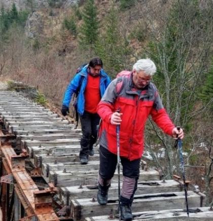Ćirinim tragovima zaborava: Sa paljanske stare željezničke stanice pa prema Bistriku