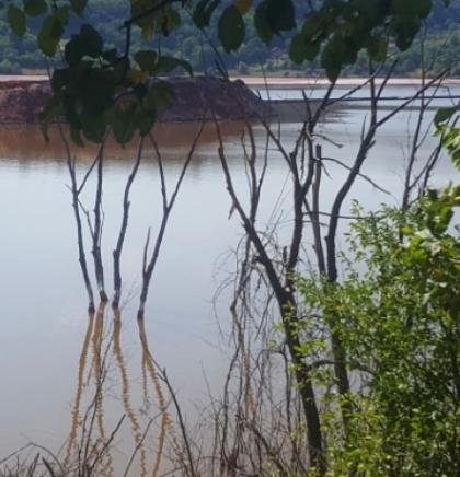 Zvornik - Ogromne količine toksičnog otpada na nekoliko metara od naselja